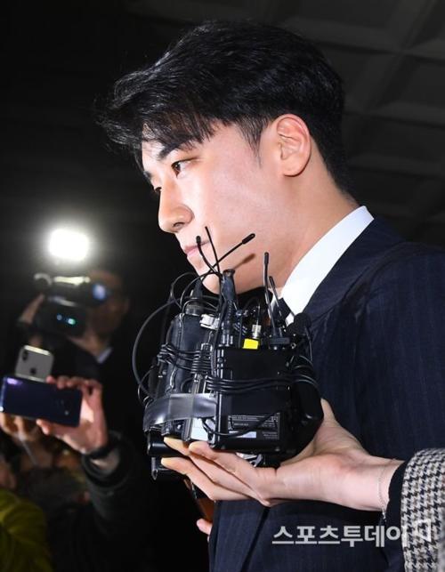 Liên hoàn phốt của Seung Ri: Sau ma tuy, môi giơi mại dâm là đến trồn thuế