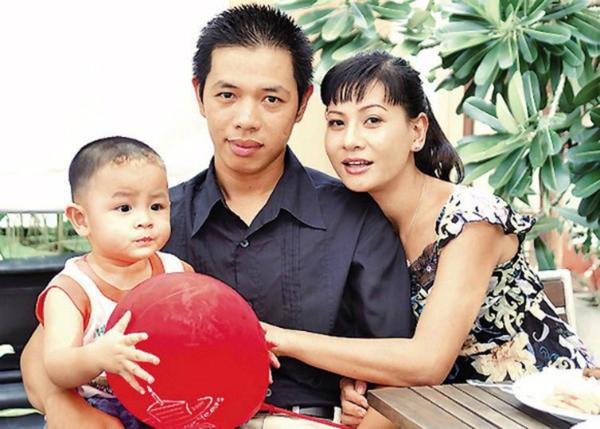 Thái Hòa và Cát Phượng thoải mái trong chuyện chu cấp cho con trai sau ly hôn.