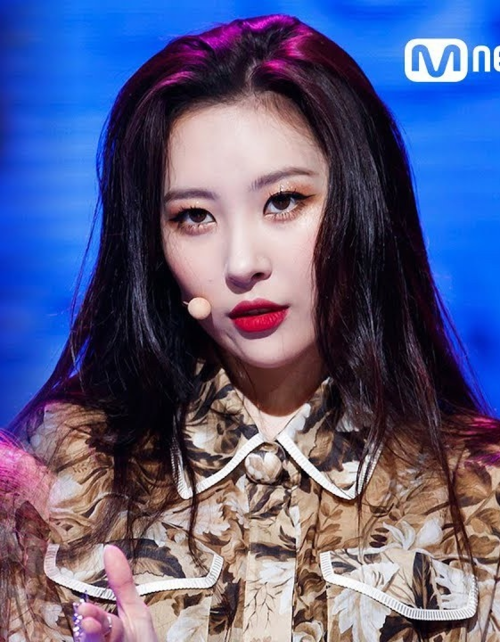 Sao Hàn tô son đỏ: Jennie sang chảnh, Song Hye Kyo đẹp như nữ thần - 6