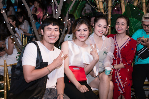 Kiều Minh Tuấn, Dương Cẩm Lynh chúc mừng Vân Trang làm bà chủ.