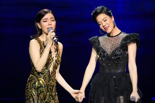 Lệ Quyên - Thu Phương có sự khác biệt trong phong cách âm nhạc. Tuy nhiên trên sân khấu Trung tâm Hội nghị Quốc gia, cả hai có sự kết hợp ăn ý khi cùng hòa giọng trong ca khúc Sao anh nỡ đành quên, Biển tình.