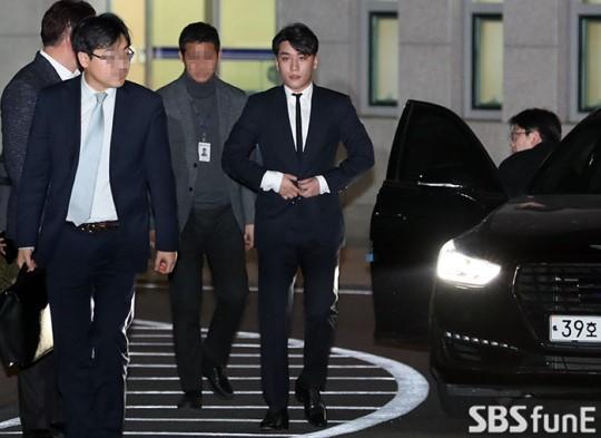 Thành viên Big Bang tiếp tục chìm sâu vào scandal.