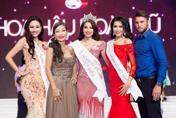 Simic xuất hiện ở nhiều sự kiện giải trí khi còn ở Việt Nam, trong đó có đêm chung kết Hoa hậu Hoàn vũ mà Phạm Hương đăng quang.
