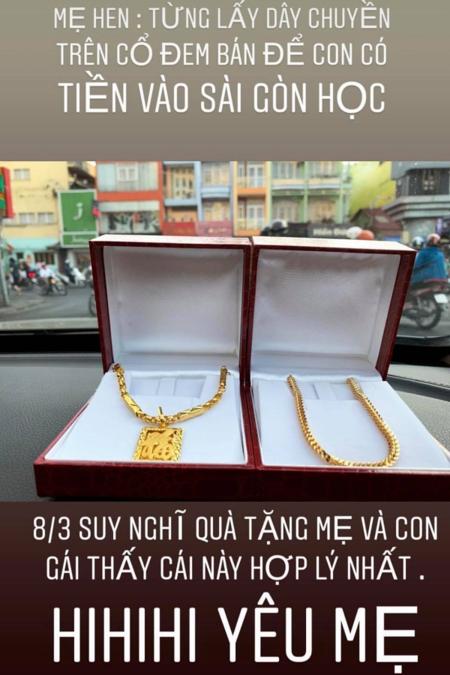HHen Niê mua hai dây chuyền vàng tặng mẹ.