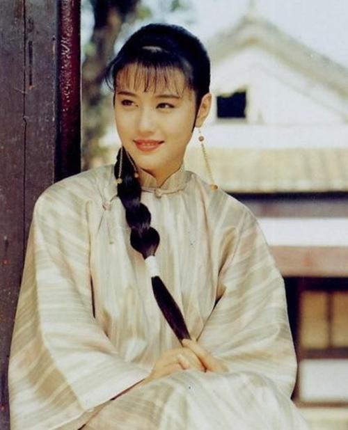 Vào thập niên 90, danh tiếng của Châu Hải My được bước lên hàng ngũ sao hạng A. Cô đóng phim cho cả đài TVB của Hong Kong lẫn các bộ phim của Đại Lục.