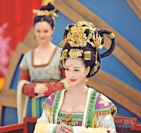 Năm 2014, sau thời gian dài không xuất hiện trên màn ảnh, Châu Hải My lại gây chú ý với vai Dương Thục Phi trong Võ Mỵ Nương truyền kỳ. Nhan sắc mặn mà của nữ diễn viên thậm chí còn lấn áp cả những sao trẻ đang nổi như Phạm Băng Băng hay Trương Hinh Dư.