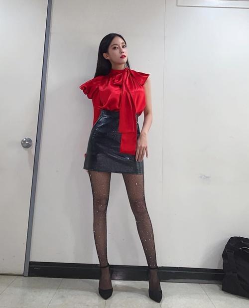 Hyo Min được khen có đôi chân cực phẩm và tỷ lệ thân hình mặc gì cũng đẹp.