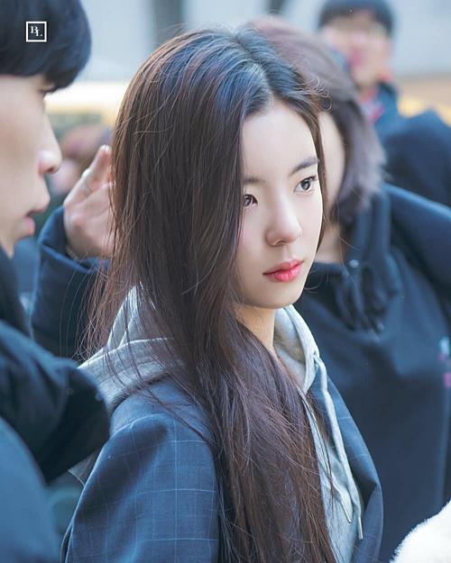 4 nàng Ji Soo sở hữu nhan sắc cực phẩm, là hiện tượng của Kpop - 4