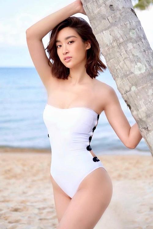 Đỗ Mỹ Linh đẹp hoang dại trong bộ ảnh bikini.