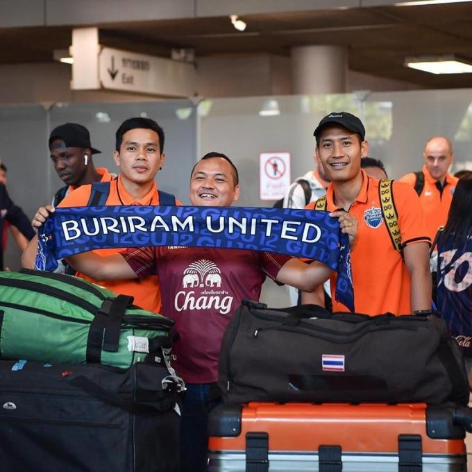 <p> Ngày 7/3, các cầu thủ Buriram United từ Nhật Bản trở về Thái Lan sau khi tham dự trận đấu với CLB Urawa Reds trong khuôn khổ vòng bảng AFC Cup 2019.</p>