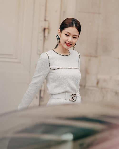Người hâm mộ hi vọng hai ngôi sao trẻ sẽ thể hiện được tinh thần Chanel như Châu Tấn, G-Dragon đã từng làm được.