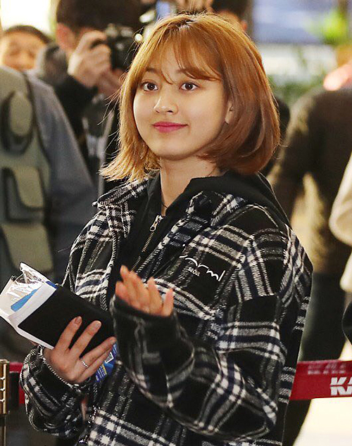 Ji Hyo là idol nâng tầm nhan sắc nhờ cắt tóc ngắn.