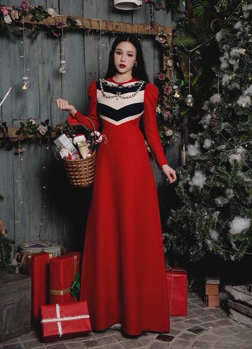 Khi diện thiết kế dài chấm đất giá 220 triệu đồng của Gucci, Huyền Baby được so sánh với nàng Bạch Tuyết nhờ có da trắng, môi đỏ, tóc đen dài.
