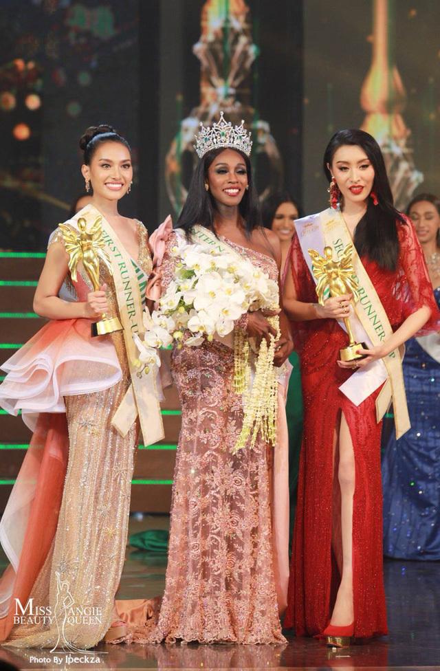 <p> Jazell Barbie Royale vượt qua nhiều ứng viên sáng giá, trong đó có đại diện Thái Lan và Trung Quốc trong top 3 để đăng quang.</p>