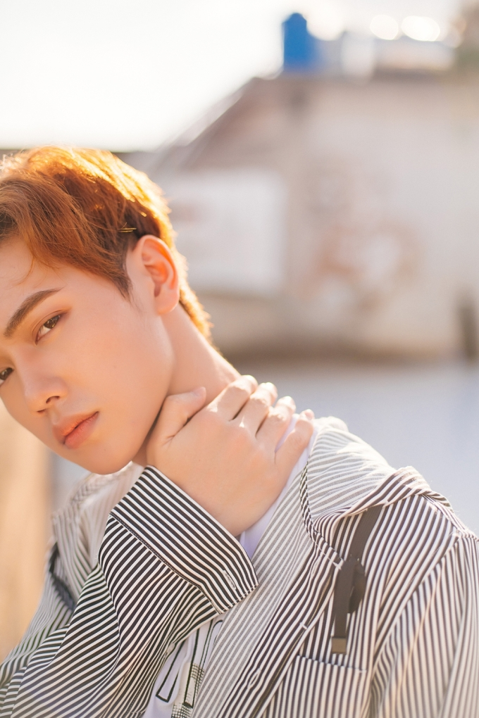 <p> JSOL (tên thật là Nguyễn Thái Sơn), 21 tuổi, sống tại TP HCM. Anh chàng quen thân với nhiều cái tên như JayKii, Monstar, Cara Phương, Jin Ju, Thanh Vy...</p>