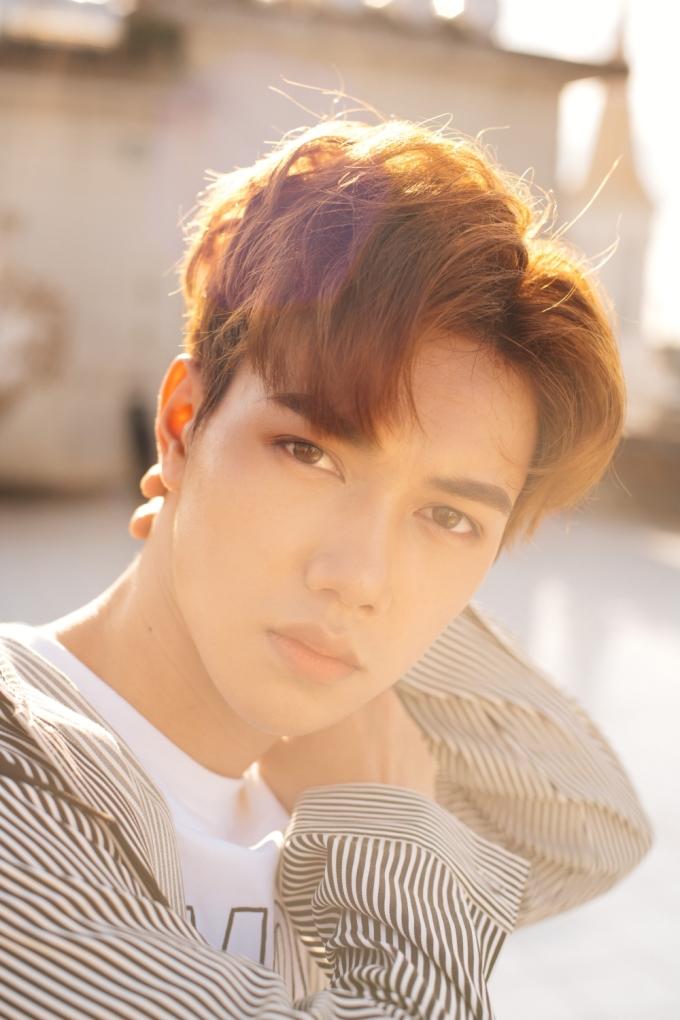 'Hot boy nhặt rau' JSol khoe vẻ đẹp tựa idol Hàn