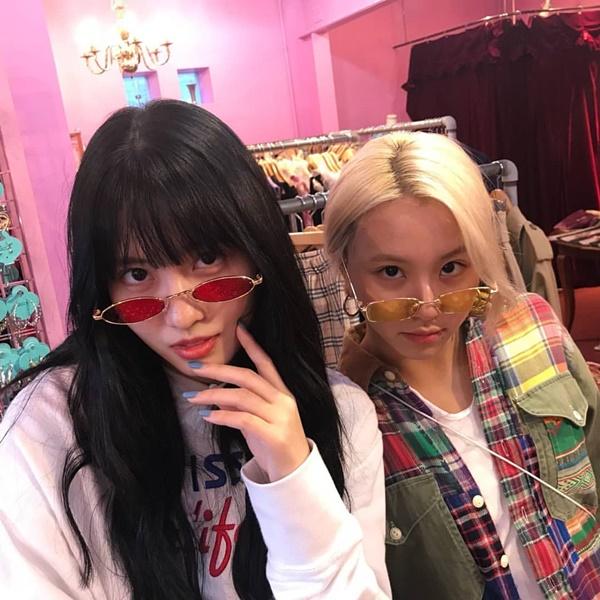 Momo và Chae Young