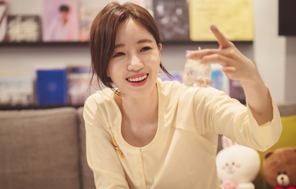 Eun Jung còn tặng fan các hit của T-ara, như Day by Day, Tiamo, Little Apple, Apple is A, You Are My Star, Holiday, Falling U...
