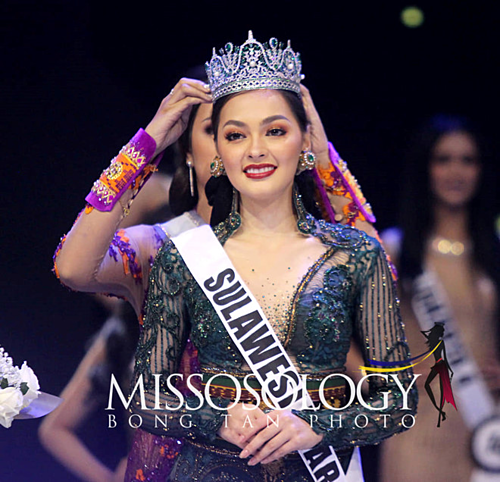 Danh hiệu Á hậu 1 Puteri Indonesia, tương đương với ngôi vị Miss International Indonesia được BTC trao cho người đẹp Jolene Marie Cholock Rotinsulu. Người đẹp đại diện Indonesia chinh chiến Hoa hậu Quốc tếnăm nay 22 tuổi, sở hữu chiều cao 1,73 m.