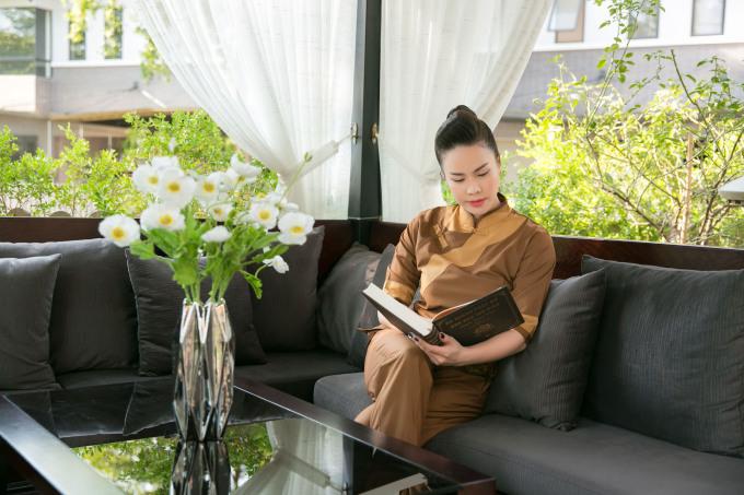 <p> Nhật Kim Anh cho biết đã tự lên ý tưởng thiết kế, cấu trúc lại theo ý thích khi mua ngôi nhà này.</p>