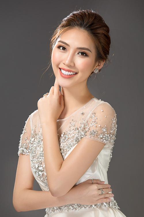 Hoa hậuTường Linh.
