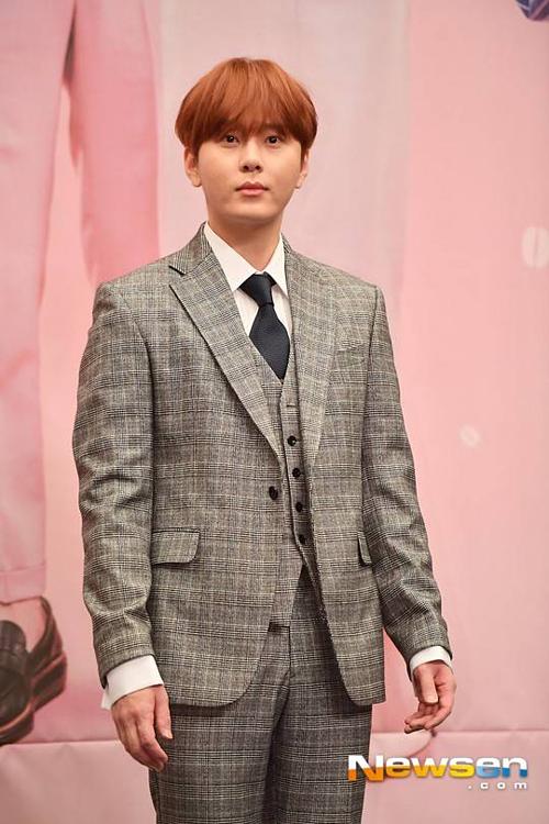 Danh tính nam idol tiếp theo dính líu tới scandal của Jung Joon Young là Yong Jun Hyung (1989).