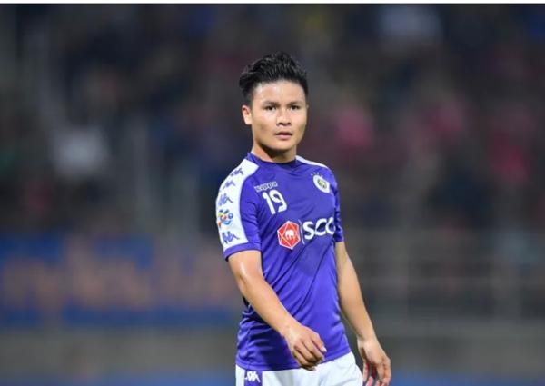 Quang Hải thi đấu nhạt nhòa trong các trận ở CLB Hà Nội.