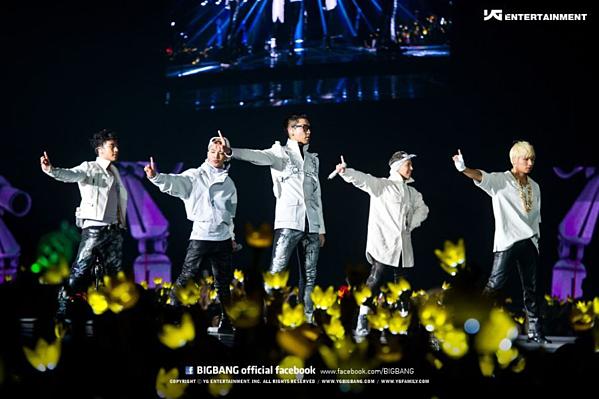 Tại một concert năm 2016, các thành viên Big Bang từng trò chuyện trên sân khấu, cho biết họ rất buồn vì Seung Ri không đón sinh nhật cùng nhau (đó là năm cuối mà Big Bang được hội tụ 5 thành viên trước khi lần lượt nhập ngũ)mà lại ra nước ngoài tổ chức.