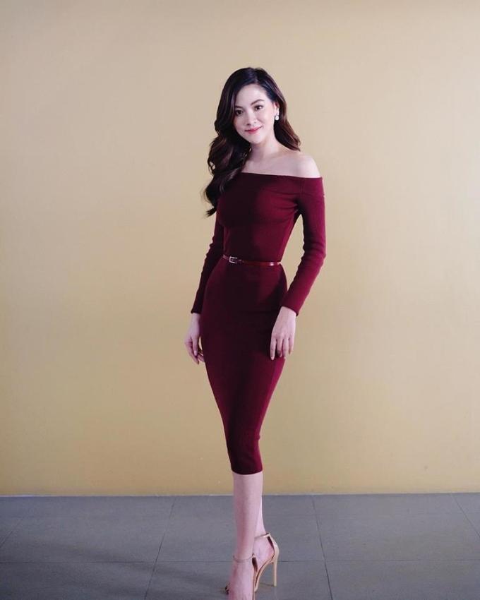 <p> Baifern vốn sở hữu vẻ ngoài xinh đẹp, hình thể chuẩn như người mẫu với hơn 4 triệu người theo dõi trên Instagram.</p>