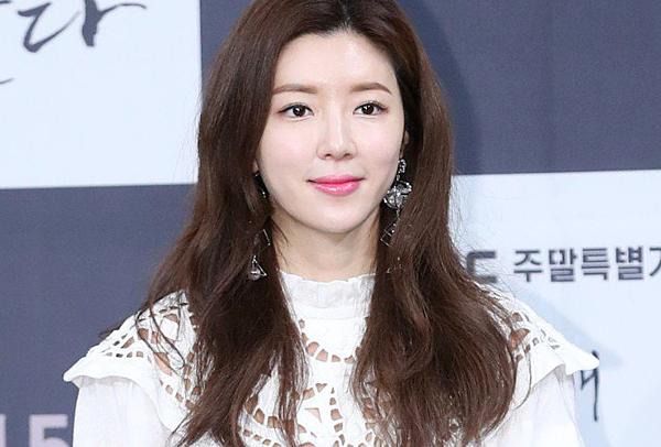 Nữ diễn viên Park Han Byul.