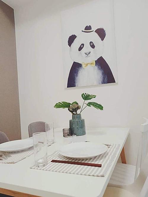 Nội thất trong căn hộ đều được Ngô Thanh Vân sắm mới.