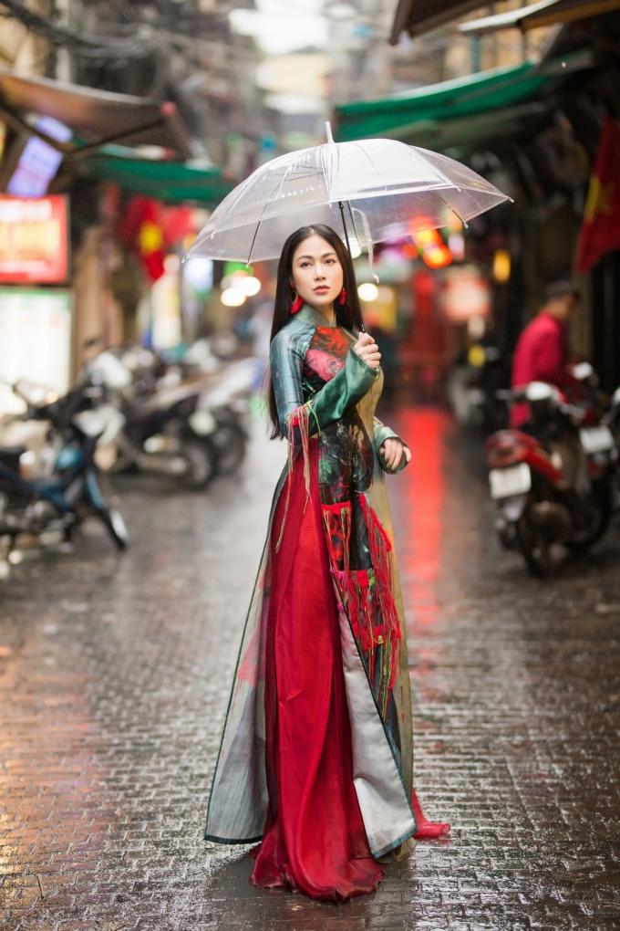 """<p> Đây là hình ảnh mới nhất của người đẹp xứ Thanh sau khi <a href=""""https://ione.vnexpress.net/tin-tuc/thoi-trang/sao-mai-tuyet-nga-dang-quang-hoa-hau-ao-dai-viet-nam-2019-3891846.html"""">đăng quang Hoa hậu Áo dài Việt Nam 2019</a> tại Singapore hôm 8/3.</p>"""