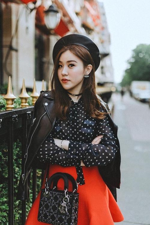 9x sinh ra trong một gia đình làm kinh doanh có tiếng ở Hà Nội.