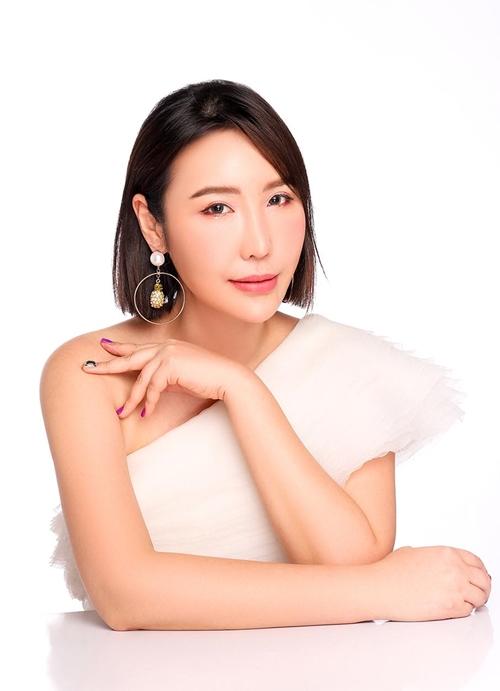 Jmi kể việc làm đẹp cũng là câu chuyện kết nối giữa cô và tình yêu lớn nhất cuộc đời - cô con gái 6 tuổi.