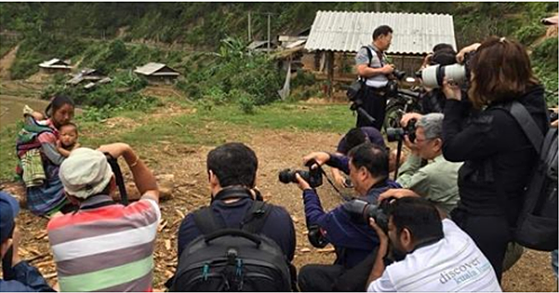 Nhiếp ảnh gia đoạt giải HIPA: 'Tôi không dàn dựng trong bức ảnh chụp ở Việt Nam' - 1