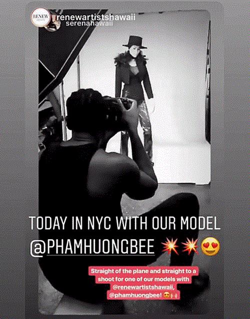 Trên trang Instagram, công ty quản lý của Phạm Hương ở Mỹ cũng thường xuyên chia sẻ hình ảnh trong các buổi chụp của gà mới.