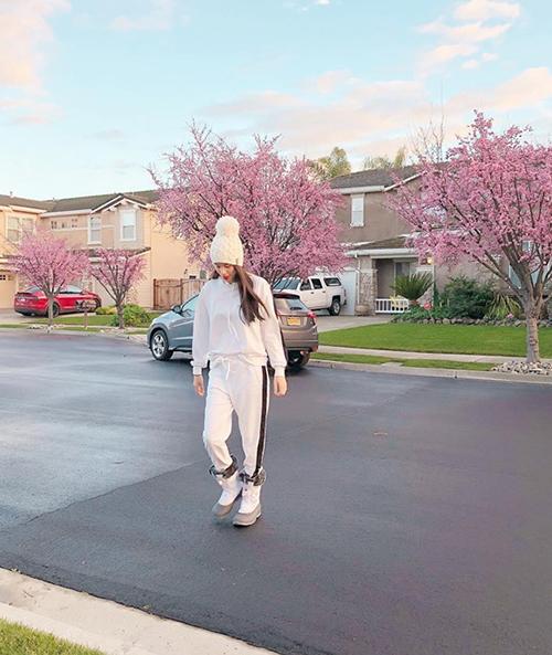 Tháng 9/2018, Phạm Hương công bố sang Mỹ để chữa bệnh tuyến giáp. Có tin đồn cho rằng cô tạm ở ẩn để sinh con đầu lòng, tuy nhiên Phạm Hương khẳng định không quan tâm đến những đồn đoán về mình. Thỉnh thoảng, cô vẫn chia sẻ hình ảnh bình yên ở Mỹ trong những bộ trang phục thoải mái hàng ngày.