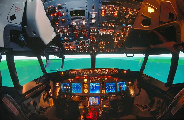 Buồng lái của Boeing 737 MAX 8. Ảnh: NYTimes