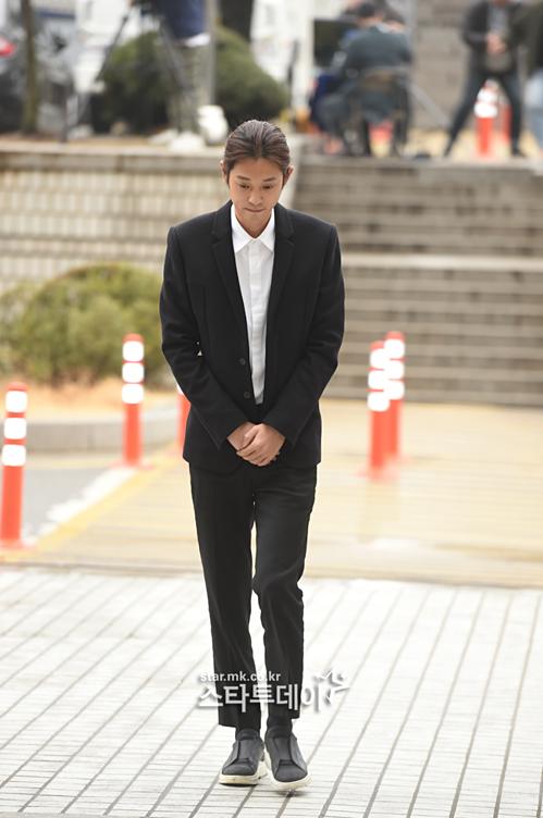 Jung Joon Young có mặt ở Tòa án Seoul sáng 21/3.
