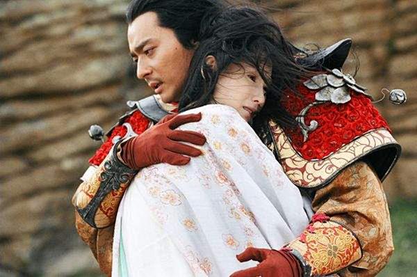 Jang Dong Gun và Trương Bá Chi trong phim.