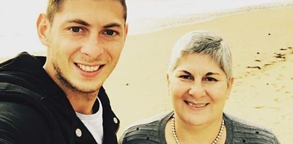 Sala và mẹ, bà Mercedes Taffarel