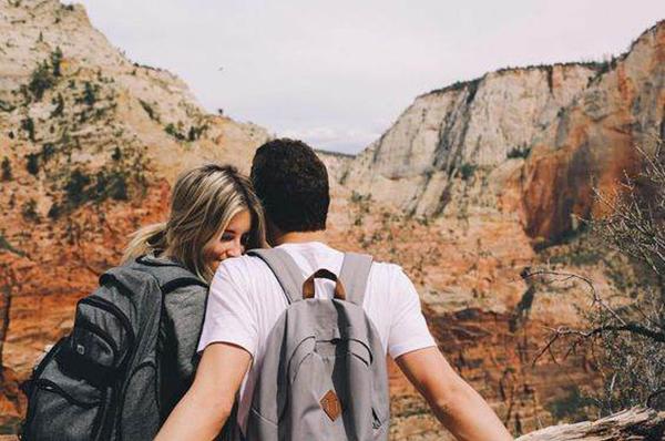 6 lý do bạn nên hẹn hò với một chàng trai trẻ - 1