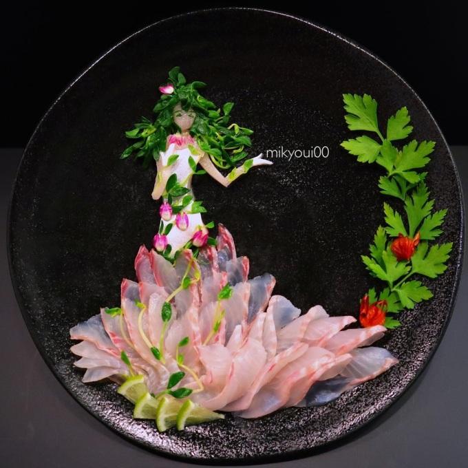 <p> Dựa vào đặc tính màu sắc của từng loại cá,Mikyoui tạo nên các tác phẩm đầy sống động.</p>