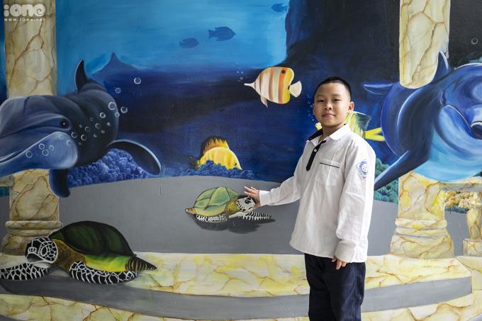 <p> Các bức vẽ như một không gian vui chơi riêng dành cho các bạn học sinh.</p>