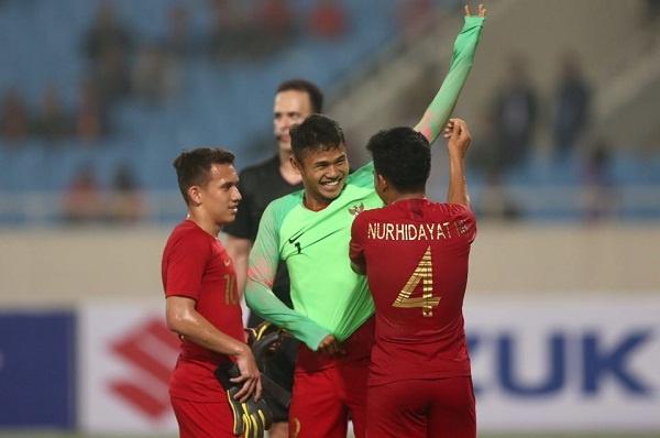 U23 Indonesia xứng danh đệ nhất bi hài khi hậu vệ trở thành thủ môn bất đắc dĩ