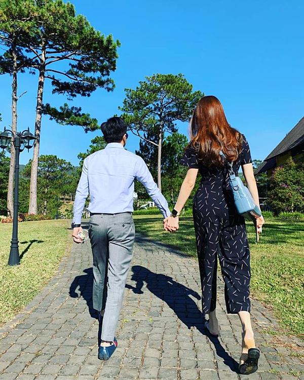 Mùng 5 Tết Kỷ Hợi, Đàm Thu Trang và Cường Đô La đưa đại gia đình hai lên Đà Lạt du lịch. 2019 là năm đầu tiên Thu Trang không ăn Tết ở Lạng Sơn mà ở lại TP HCM cùng chồng.