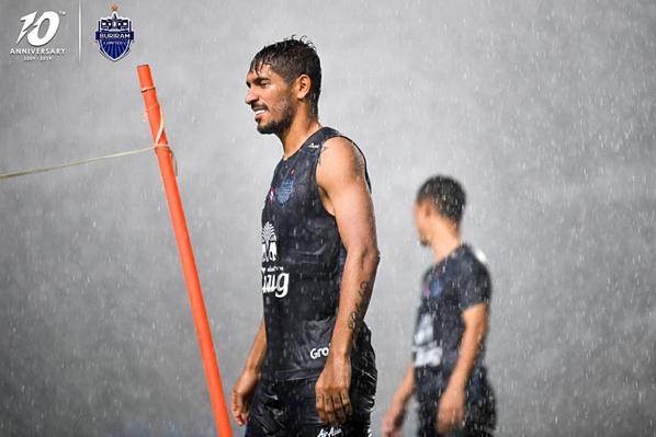 Sau 2 trận thắng và 2 trận hòa, nhà ĐKVĐ Thai League hiệnxếp thứ hai trên bảng xếp hạng, ngay sau PT Prachuap.