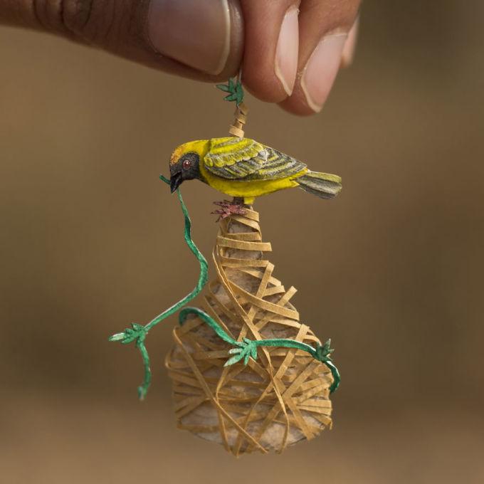 <p> Năm 2018, hai nghệ sĩ trẻ đã tạo ra các phiên bản mini của 365 loài chim trong 365 ngày và đăng tải trên Instagram. Mỗi tác phẩm đều thu về hàng nghìn lượt yêu thích và chia sẻ.</p>