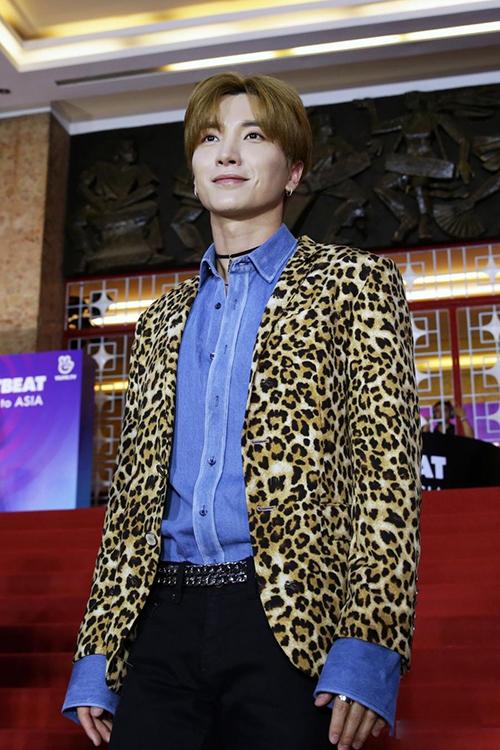 Xuất hiện lịch lãm, những quý ông Super Junior thu hút mọi sự chú ý lớn.