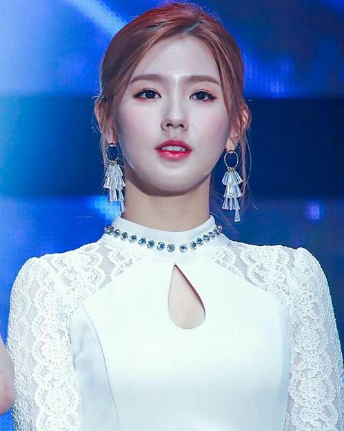 Thành viên (G)I-DLE cạnh tranh danh hiệu nữ thần thanh lịch với Mina (Twice) - 4